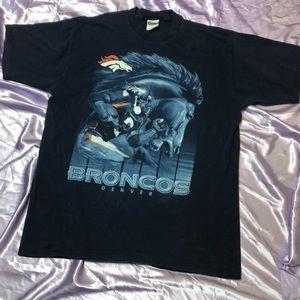 Vtg Pro Player Denver Broncos big graphic t shirt